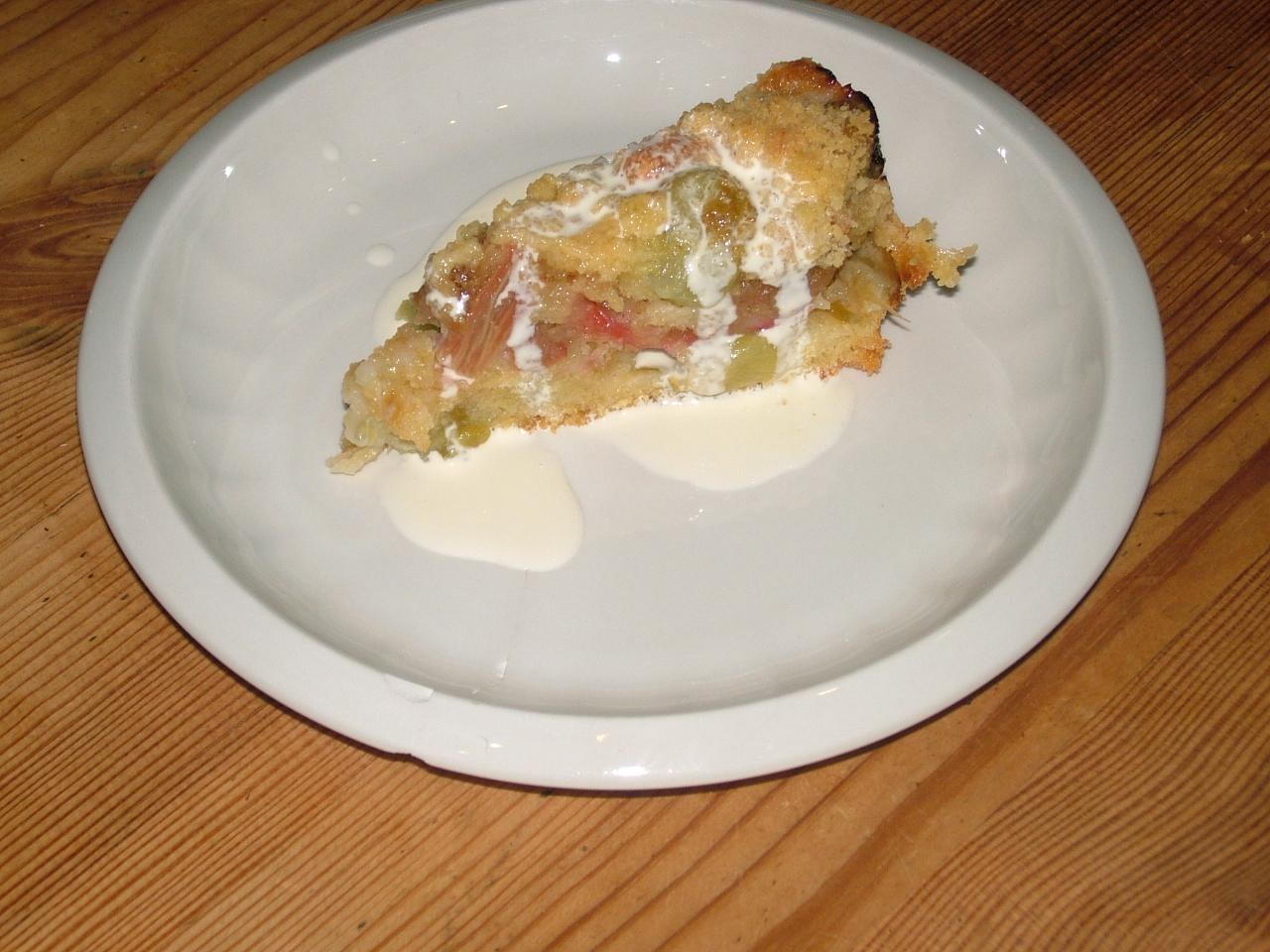 Rhubarb Cake Loaf Tin